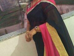 Nidhi bhabhi